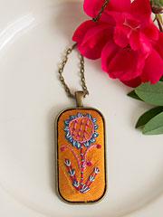 A Bonny Sunflower Necklace