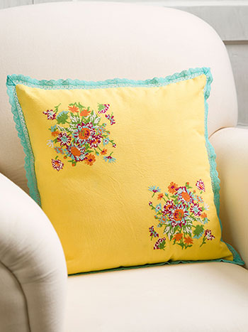 Senorita Emb Cushion