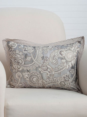 Queen's Court Linen Cushion