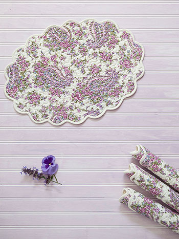 Sketch Paisley Quilted Placemat