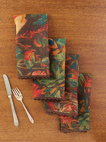 Gorgeous Garden Linen Napkin Set of 4