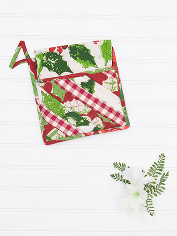 Merry Maker's Patchwork Pocket Potholder Set