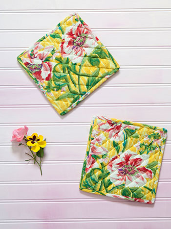 Water Lily Honeycomb Potholder