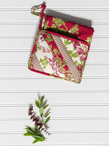 Christmas Patchwork Pocket Potholder Set