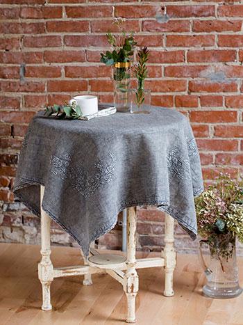Fleurancienne Emb Topper Cloth