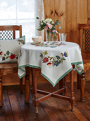 Nevarra Embroidered Topper Cloth