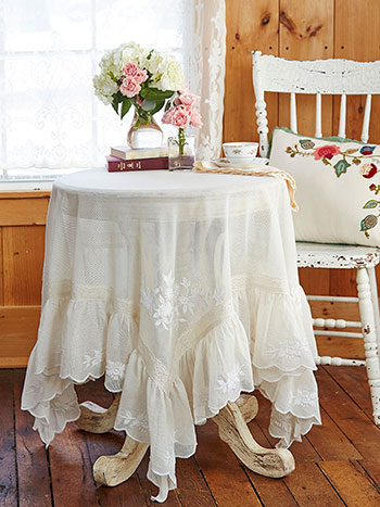 Poetic Embroidered Topper Cloth