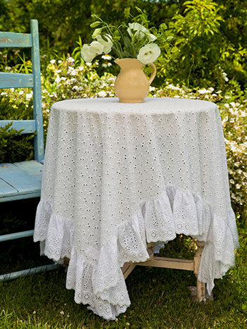Evie Eyelet Topper Cloth