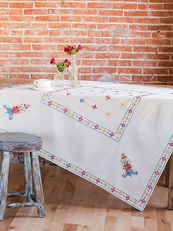 Westwind Emb Tablecloth