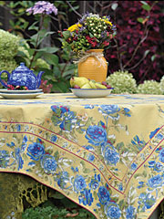 Heirloom Rose Tablecloth - Gold