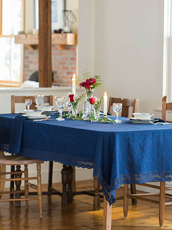 Luxurious Linen Jacquard Tablecloth - Ink