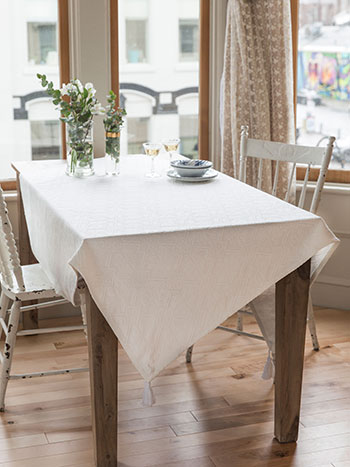Homespun Matelasse Tablecloth