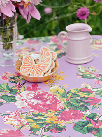 Victorian Rose Tablecloth - Lavender