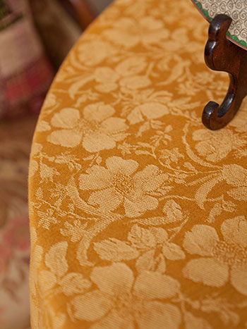 Peony Jacquard Tablecloth - Gold
