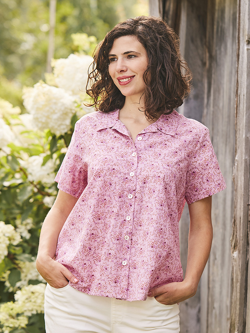 Woman wearing the Cornwall Camp Blouse in Vintage Lilac.