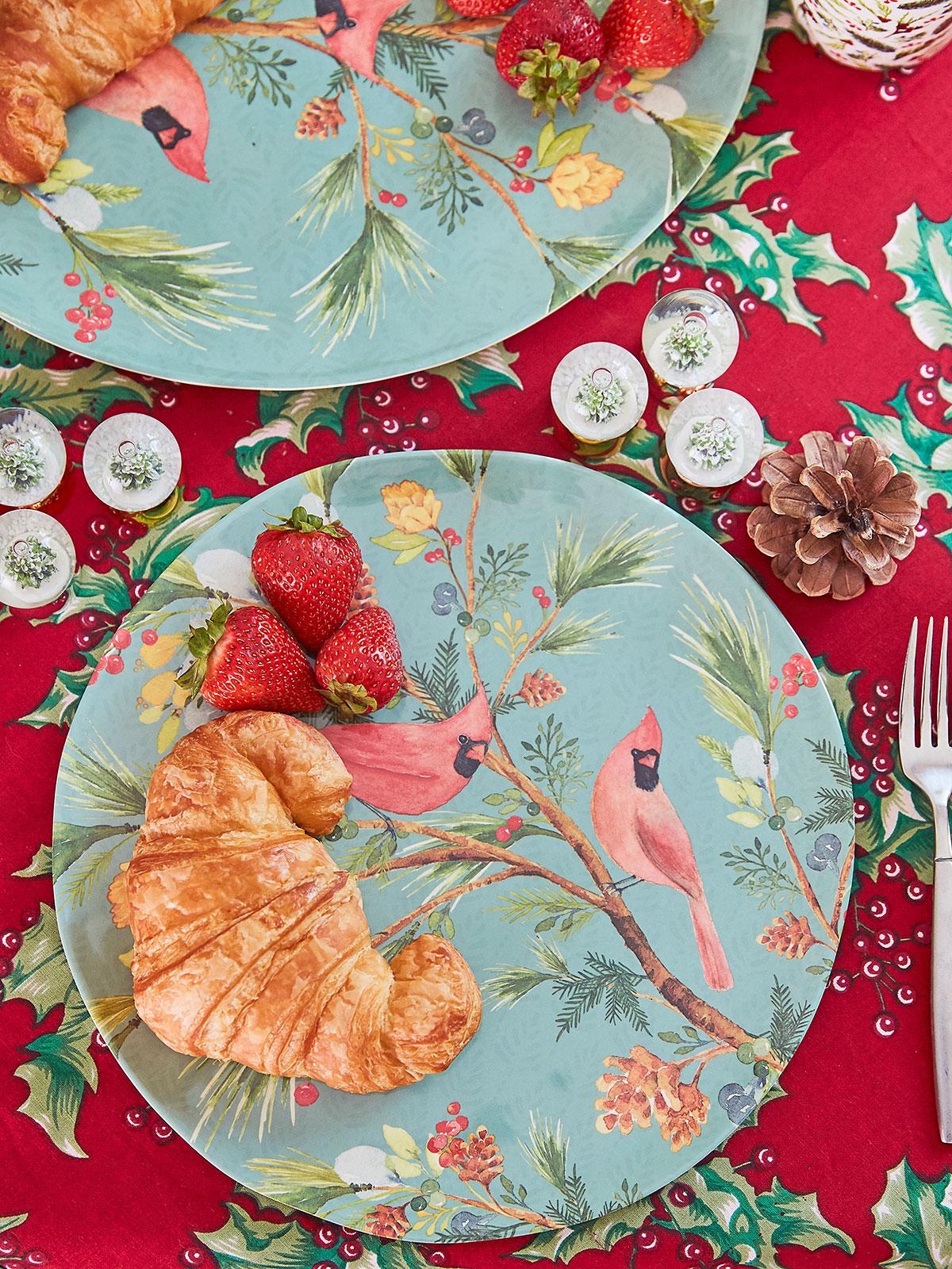 Cardinal Melamine Dinner Plate Set of 4