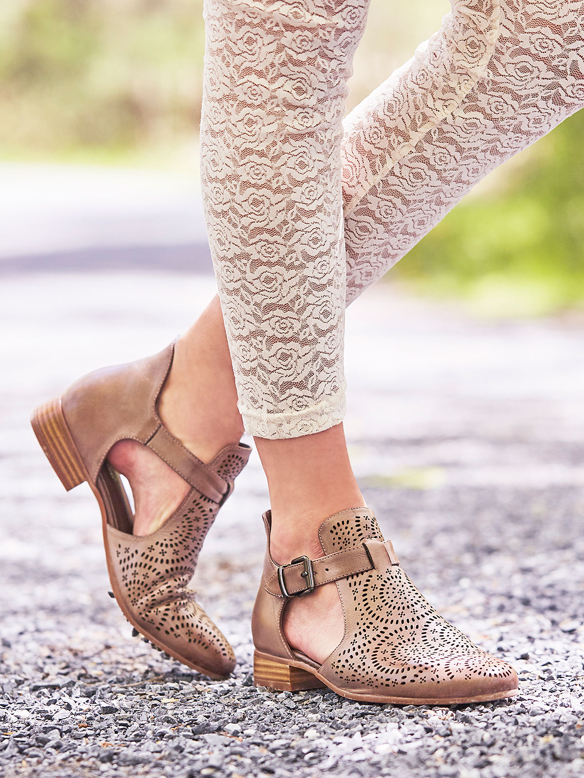 Eugenie Shoe