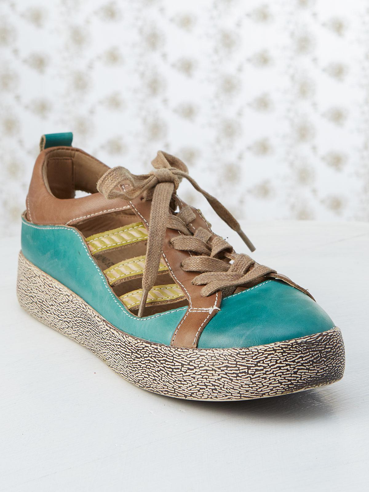 Porscha Sneaker