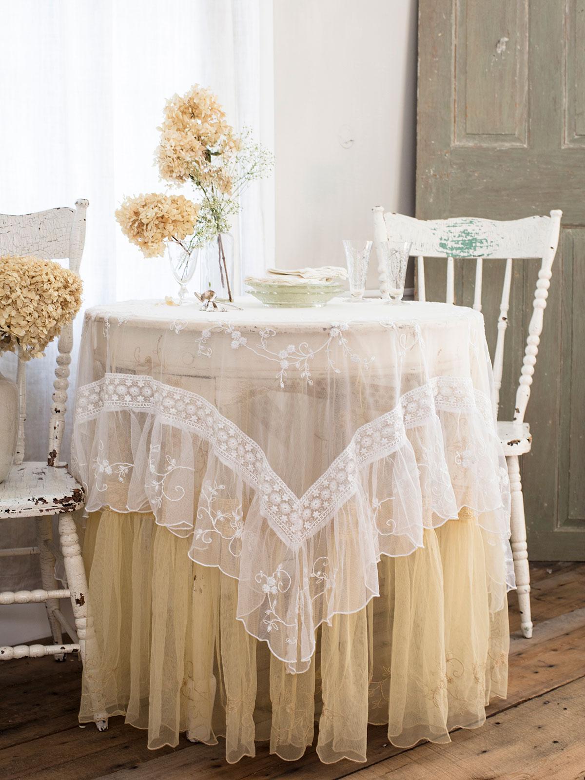 Beloved White/Antique Table Bundle