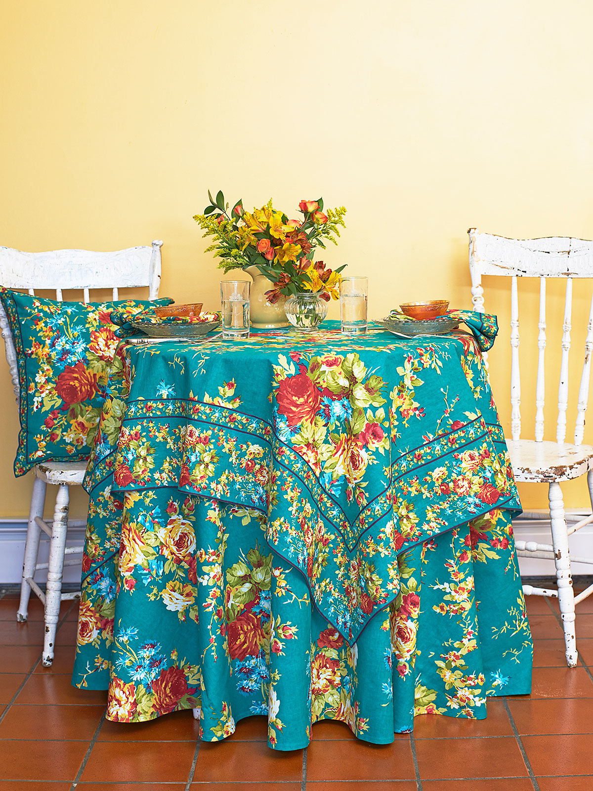 Cottage Rose Teal Table Setting