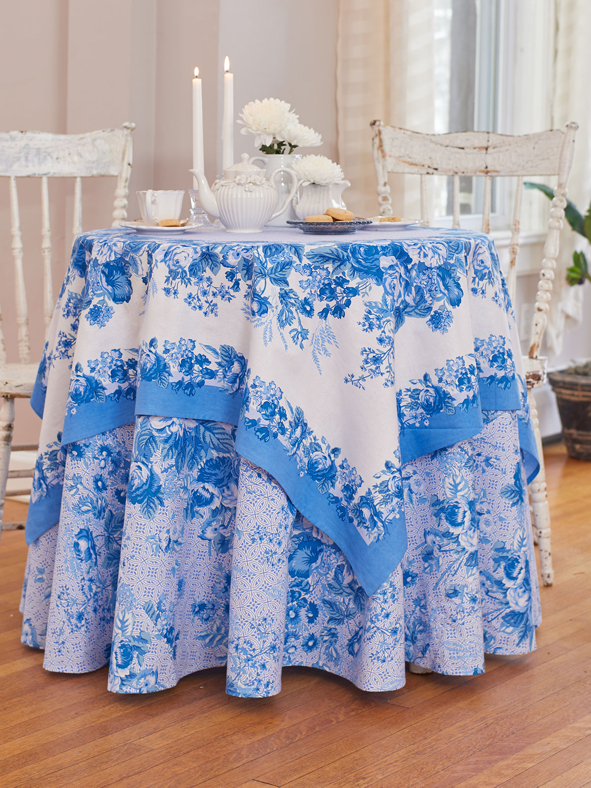 Marion Blue Table Setting