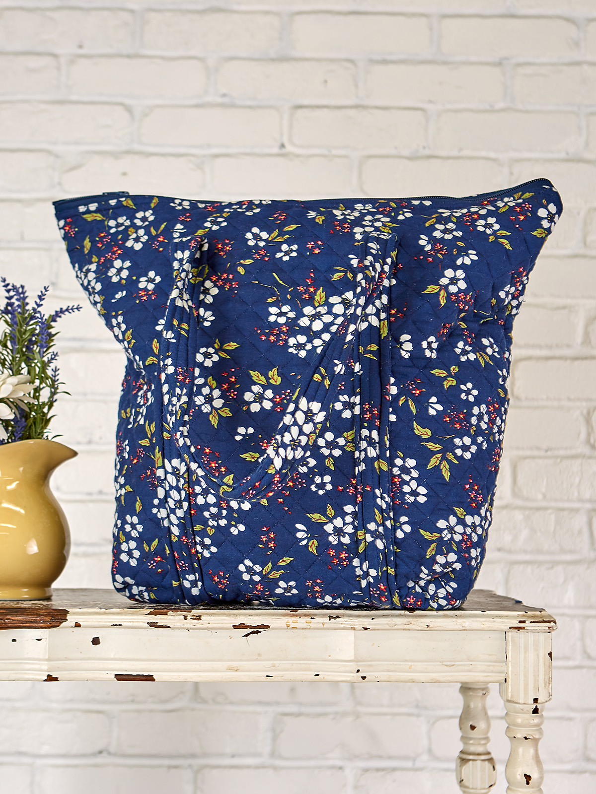 Fair Flower Quilted Bag