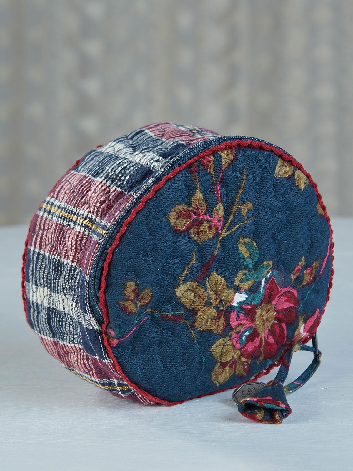 Wild Rose Round Cosmetic Bag