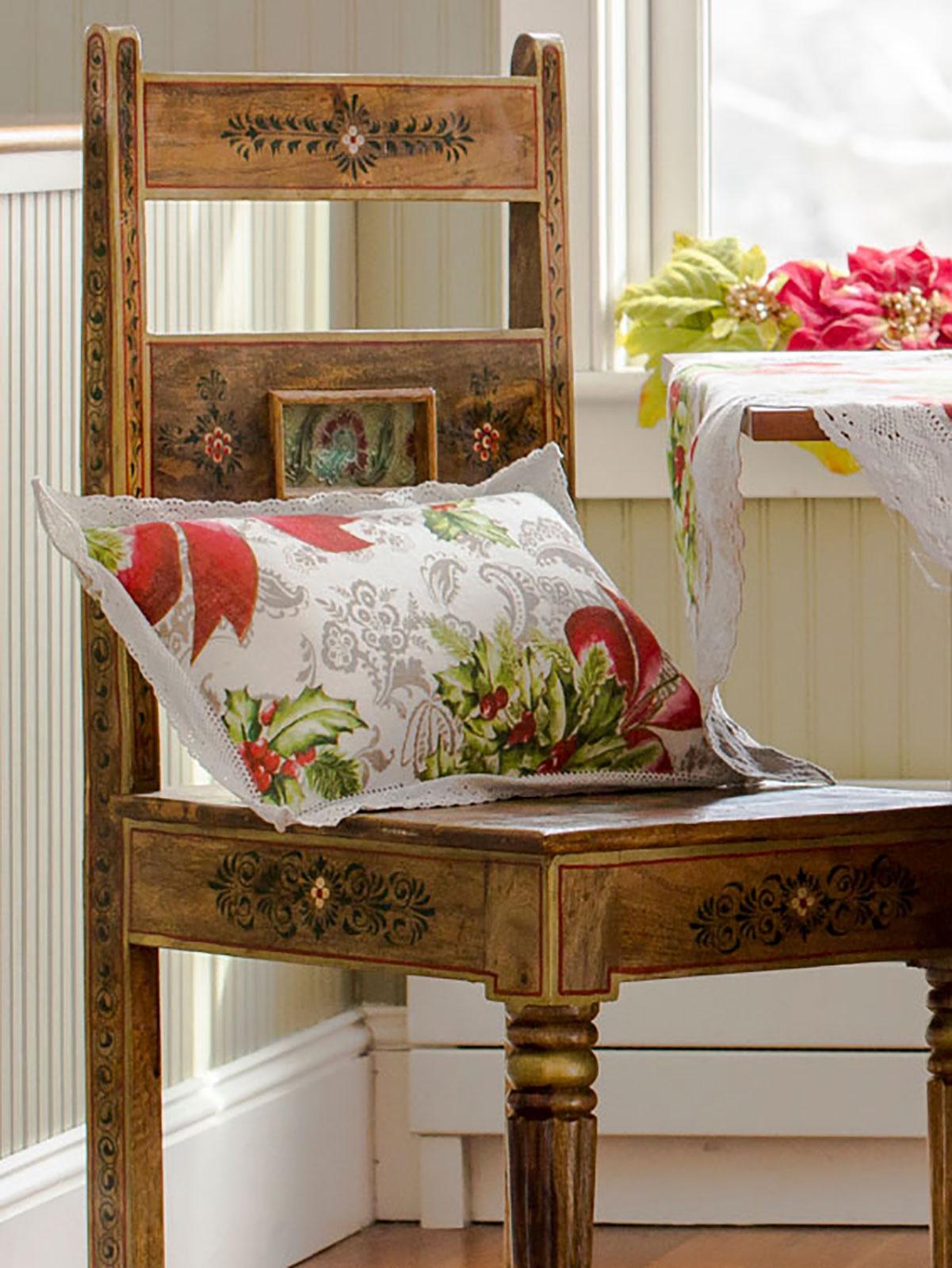 Deck the Holly Linen Cushion
