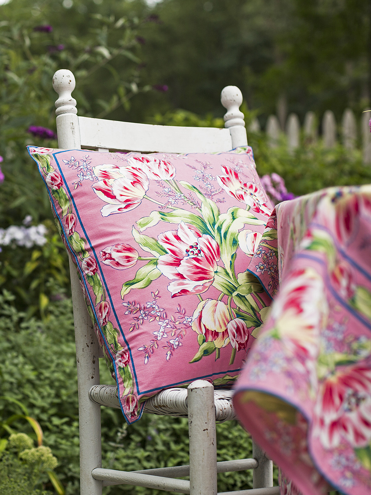 Tulip Dance Cushion Cover