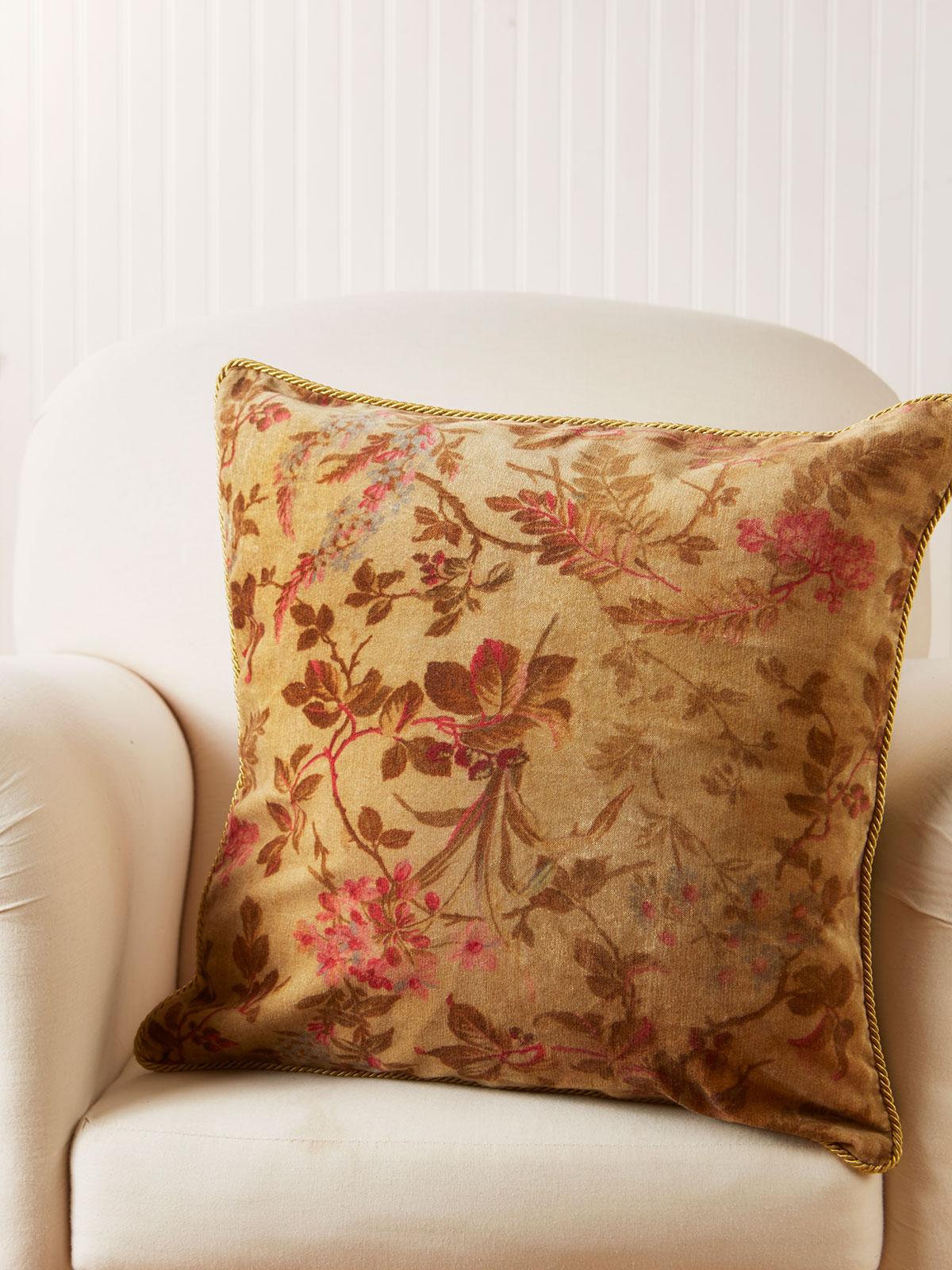Bramble Velvet Cushion Cover