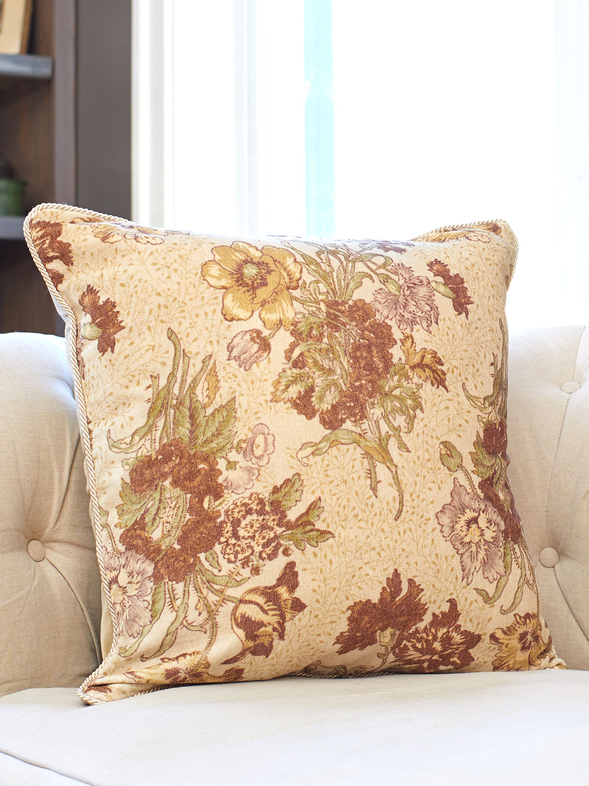 Jaipur Garden Velvet Cushion Cover