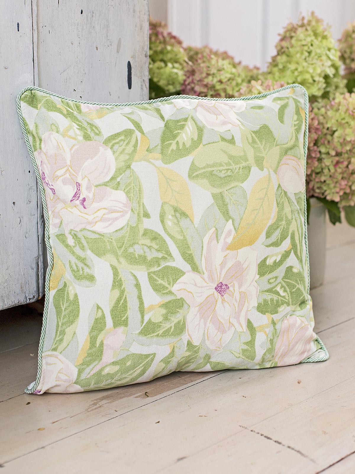 Magnolia Velvet Cushion Cover