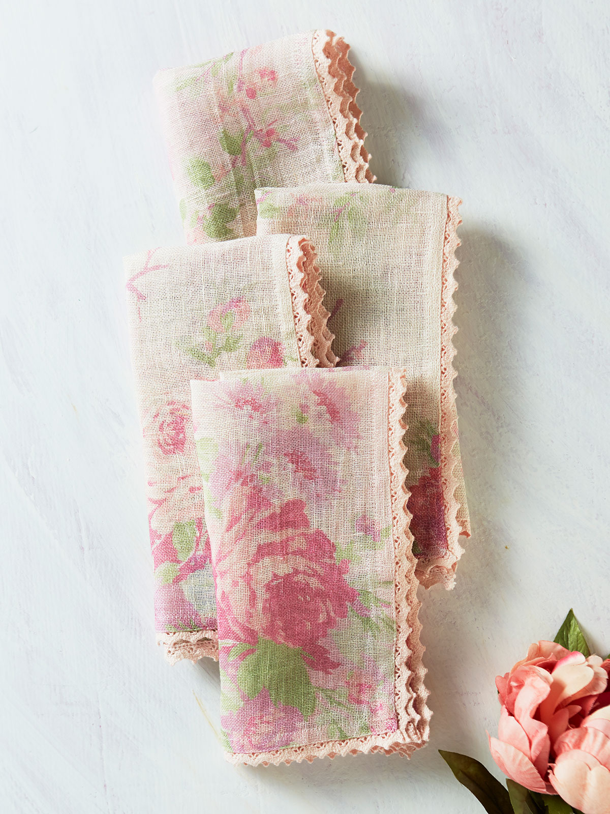 Cottage Rose Linen Napkin Set of 4