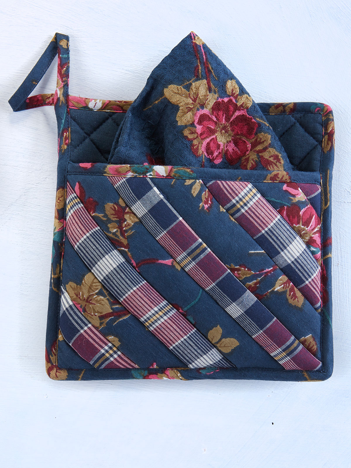 Wild Rose Pocket Potholder w/Towel