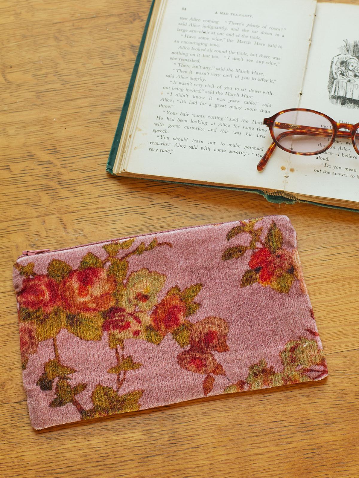 English Garden Velvet Pouch