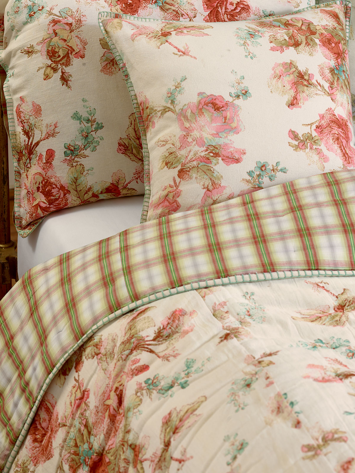 Victorian Rose Quilt Your Home Bedding Beautiful