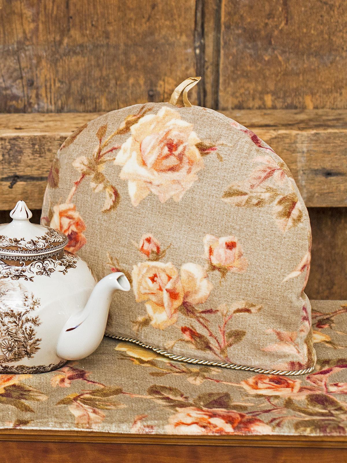 Serenade Velvet Tea Cozy
