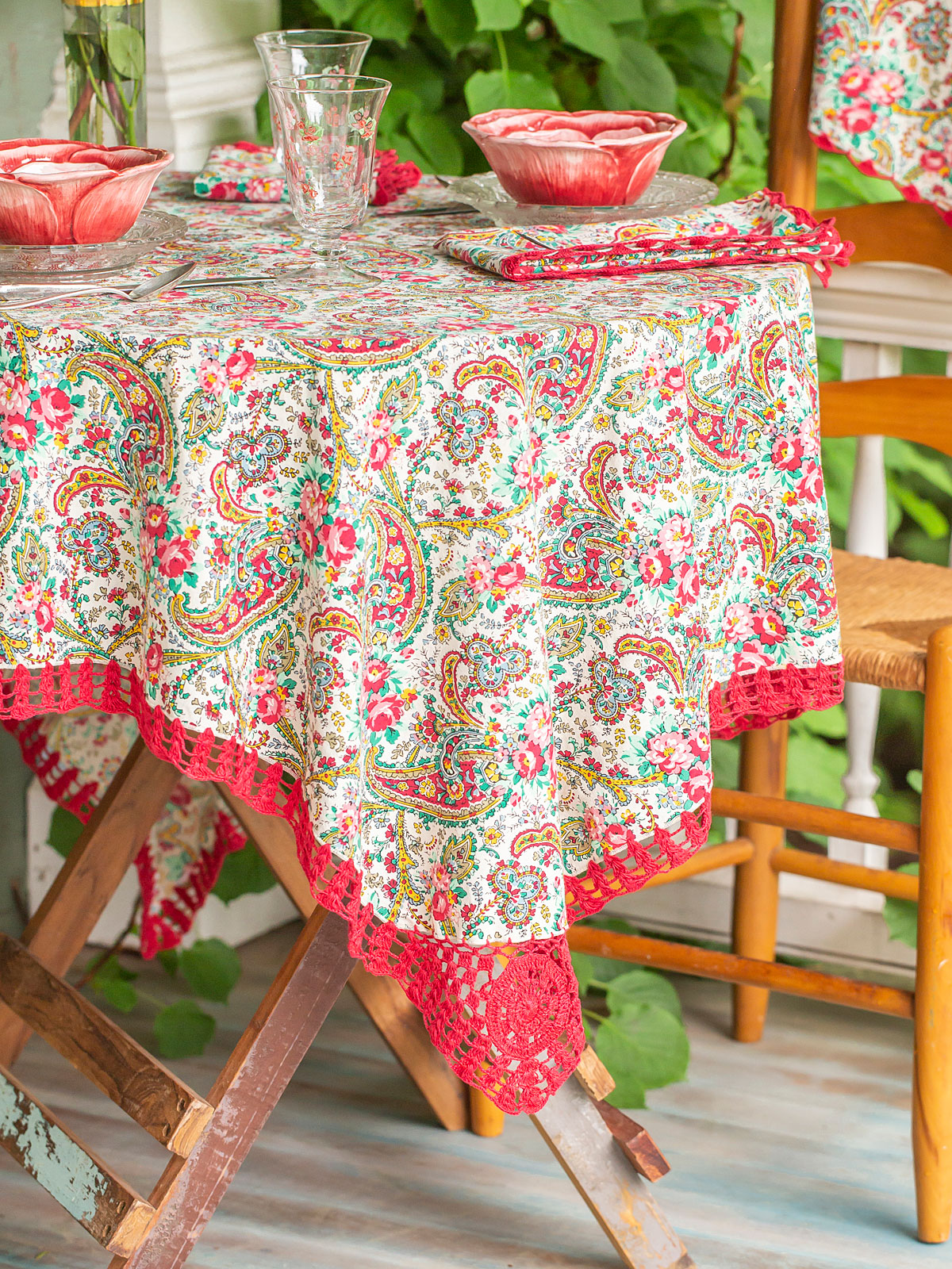 Garden Paisley Crochet Tablecloth