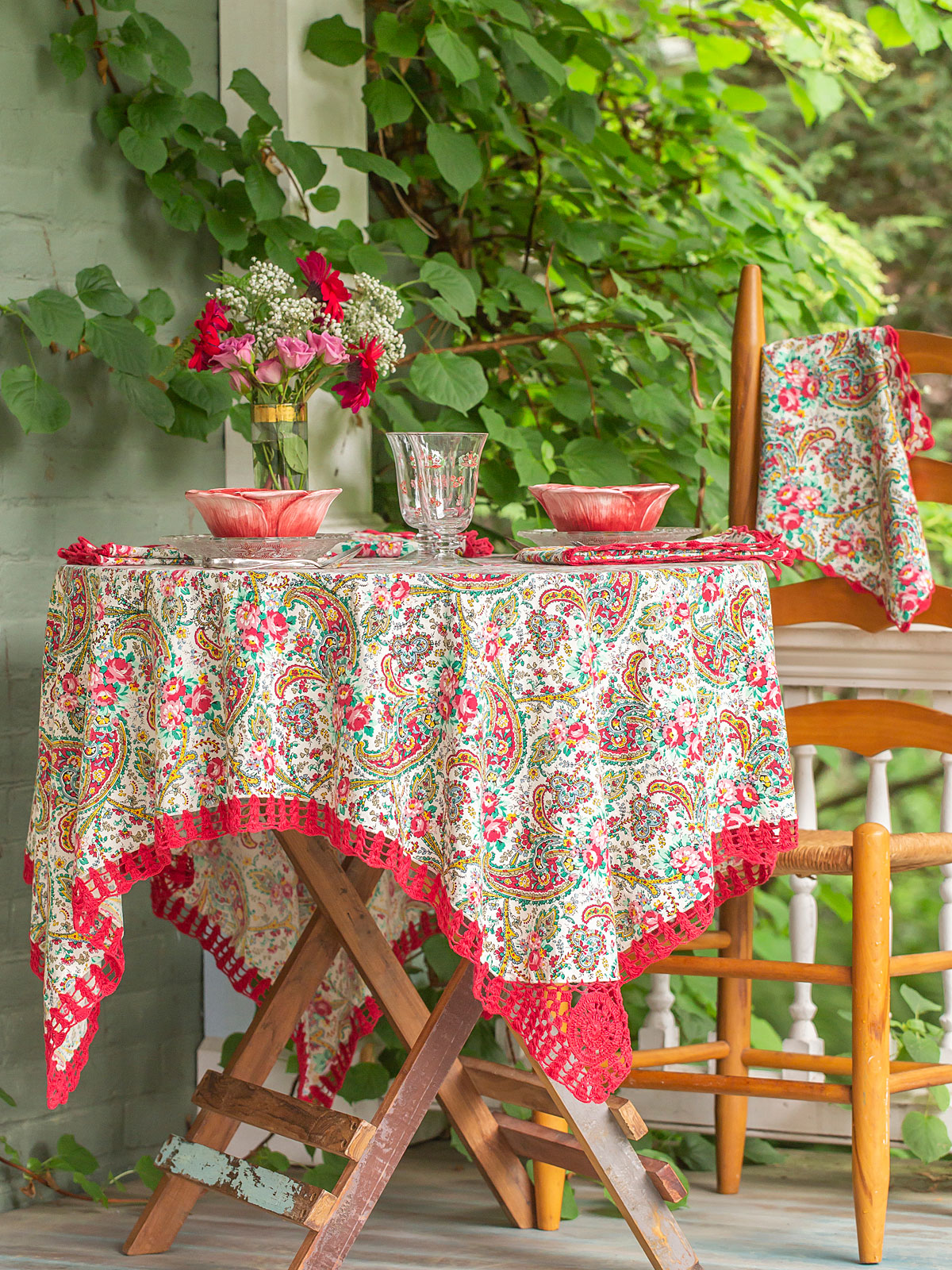 Garden Paisley Crochet Tablecloth