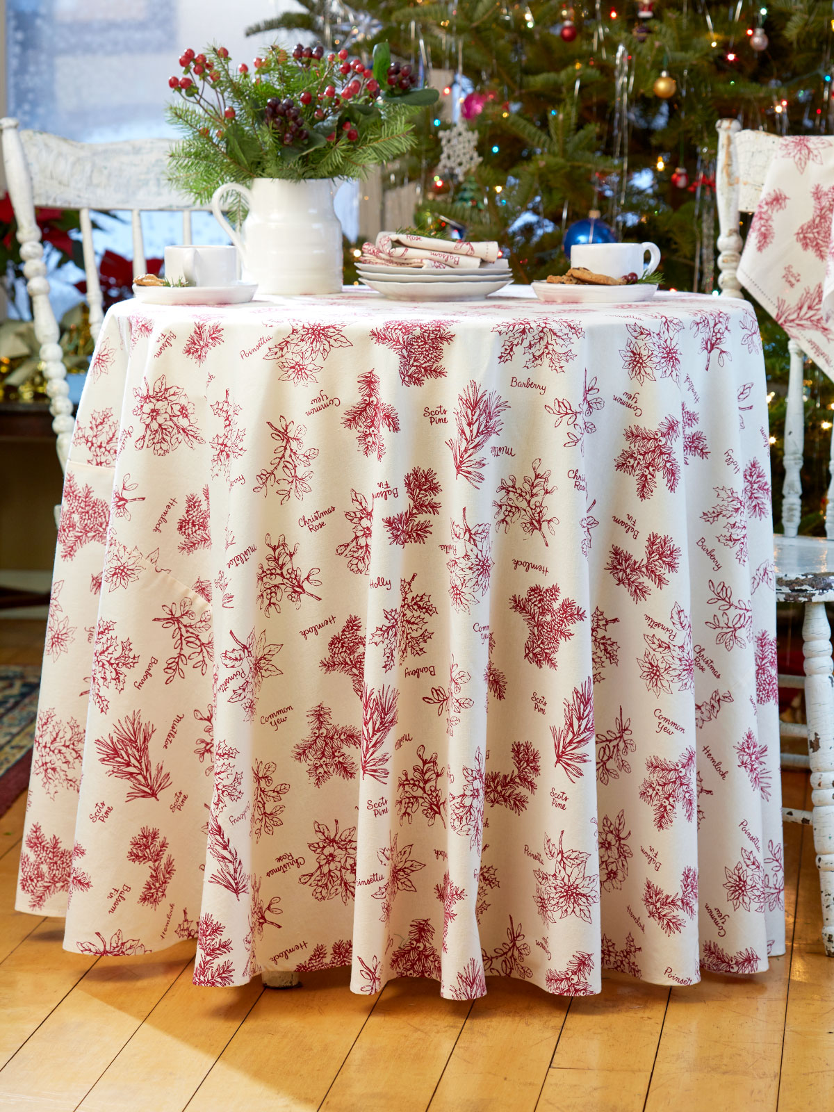 Christmas Botanical Round Tablecloth