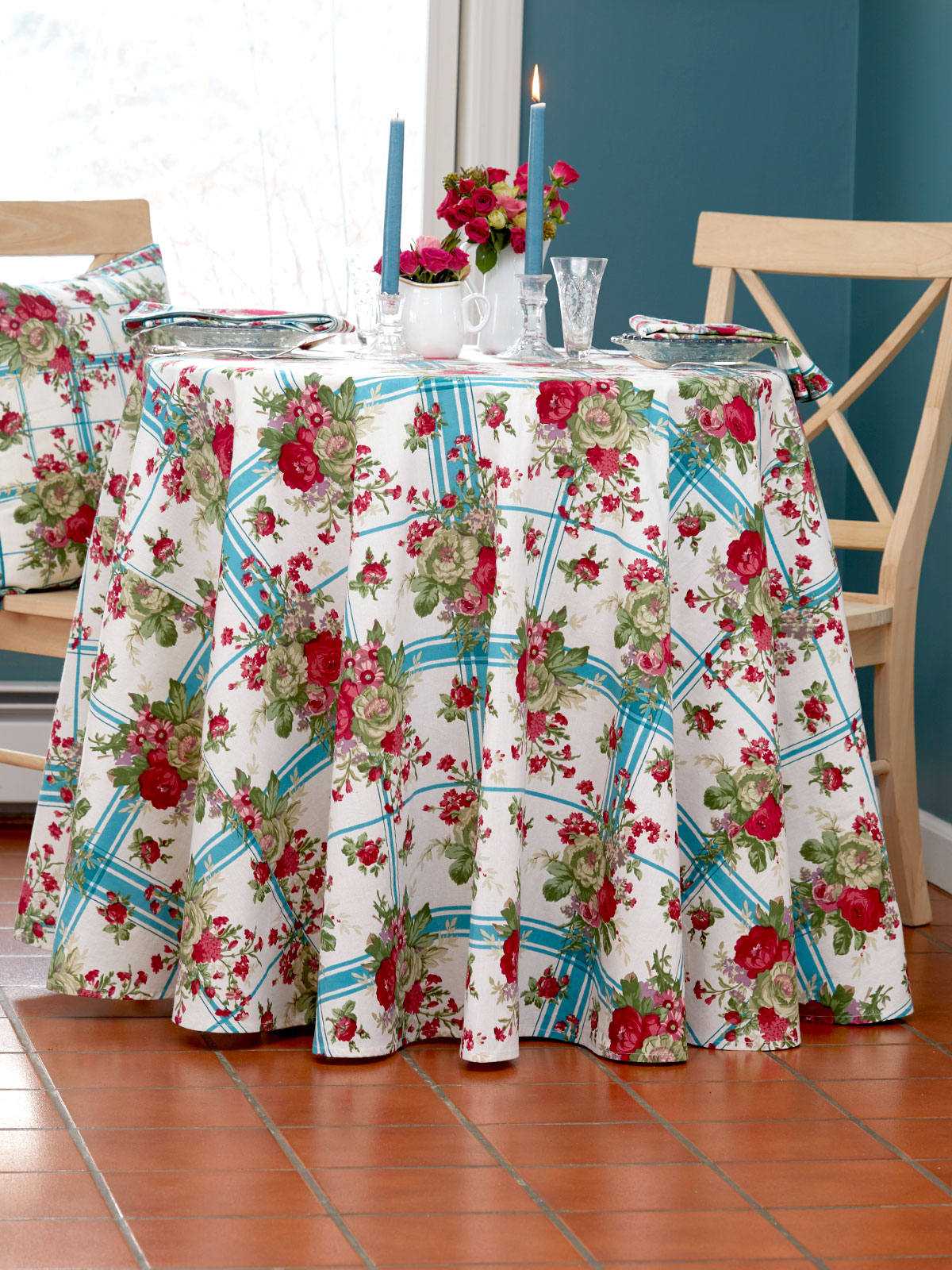 Cornwall Cottage Round Tablecloth