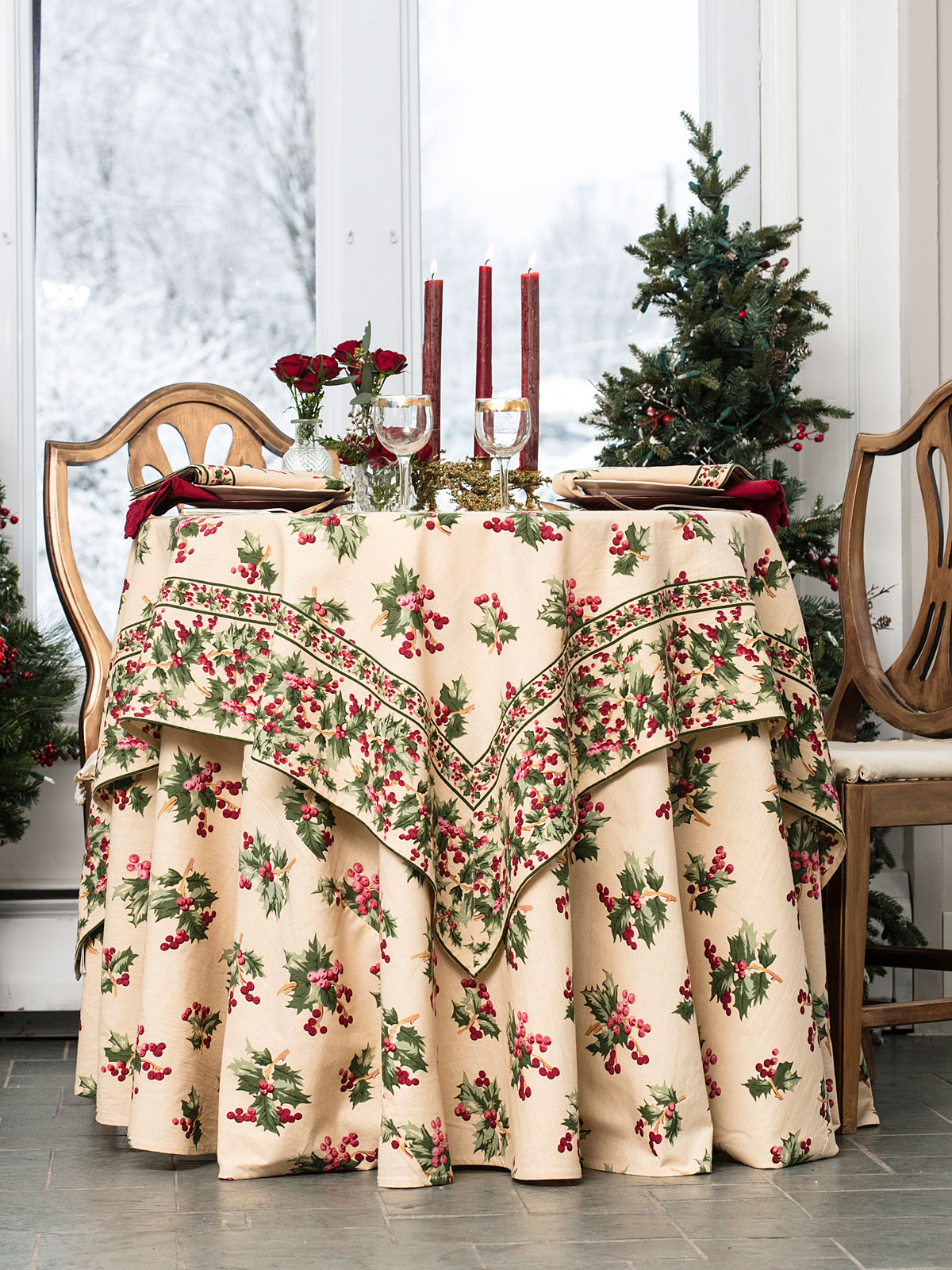 Holly Berry Tablecloth
