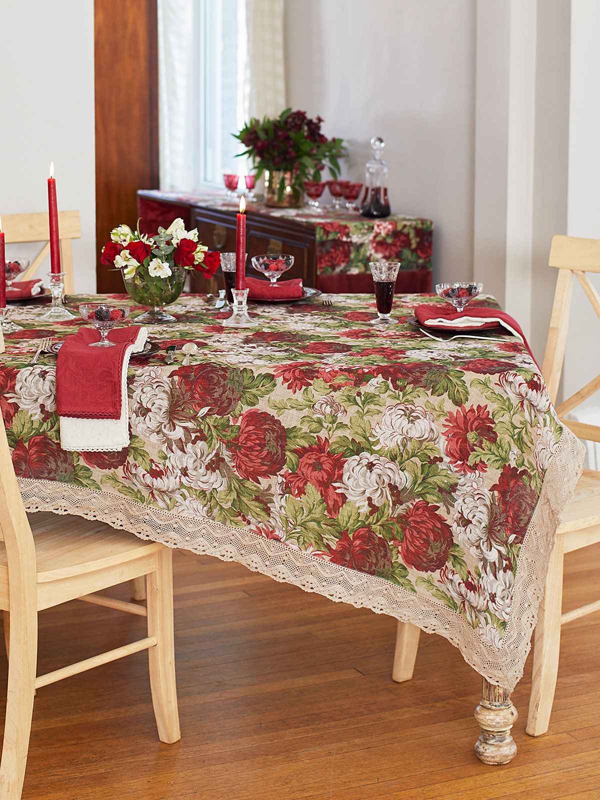 Ava Linen Tablecloth