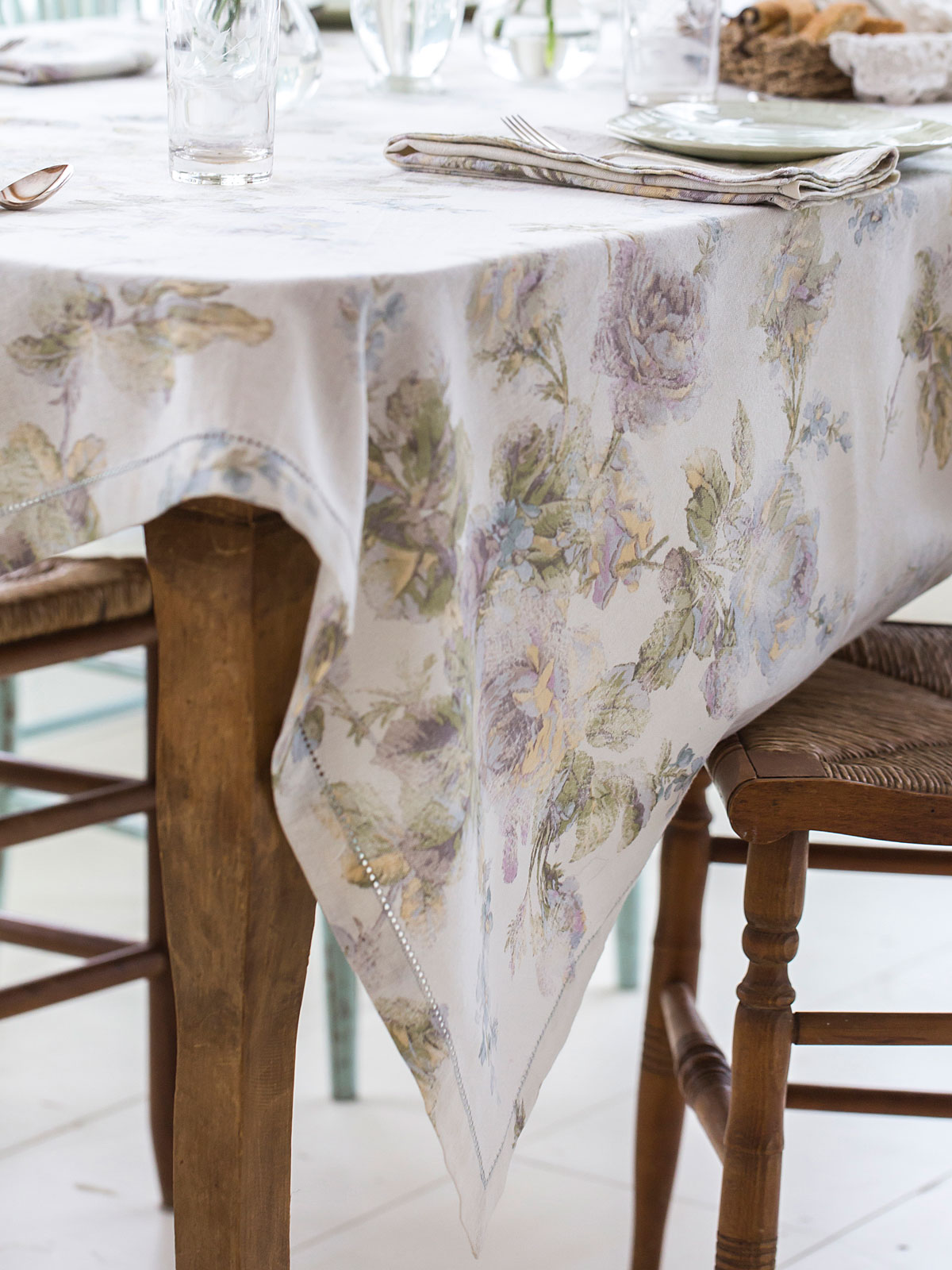 Victorian Rose Tablecloth Linens Amp Kitchen Tablecloths
