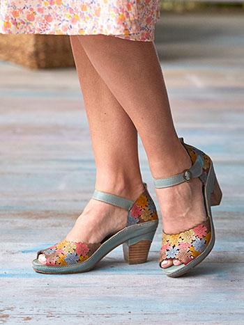 Avnia Shoe