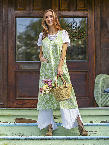 Madison Flower Farmhouse Apron