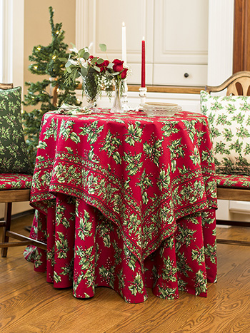Holly Table Setting