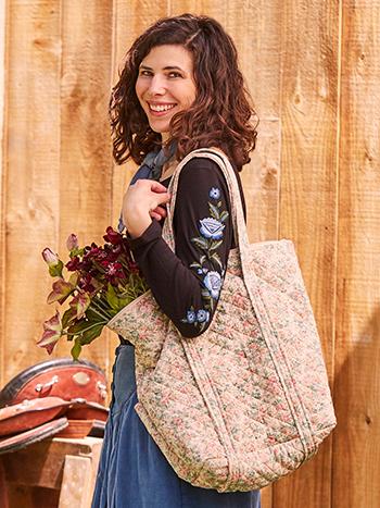 Rose Garden Quilted Bag