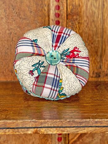 Belle Vue Patchwork Pinwheel Pin Cushion