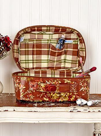 Cottage Rose Oil Cloth Artist on the Go Large